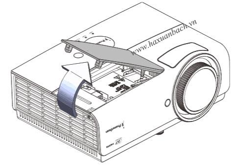 Tháo nắp khoan chứa bóng đèn PRM45